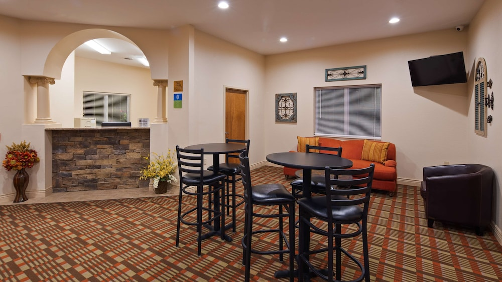 Lobby, SureStay Hotel by Best Western Whittington Rend Lake