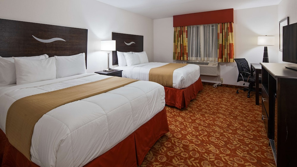 Room, SureStay Hotel by Best Western Whittington Rend Lake