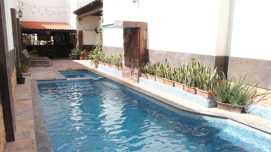 Hotel Rincón Real Suites