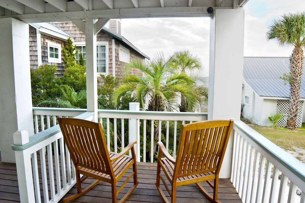 Balcony, Desoto Beach Terraces