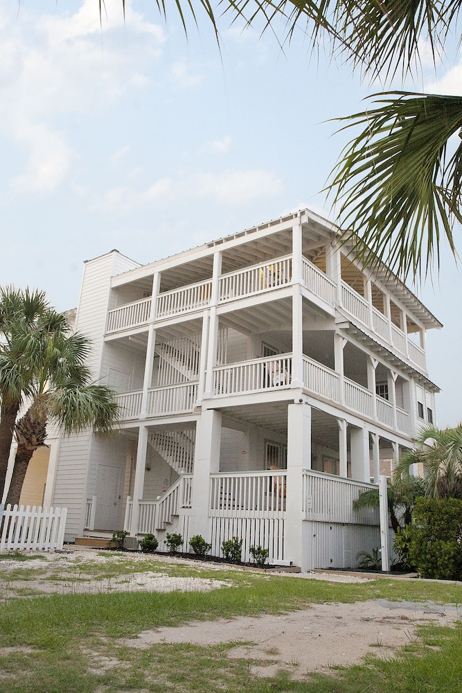 Exterior, Desoto Beach Terraces