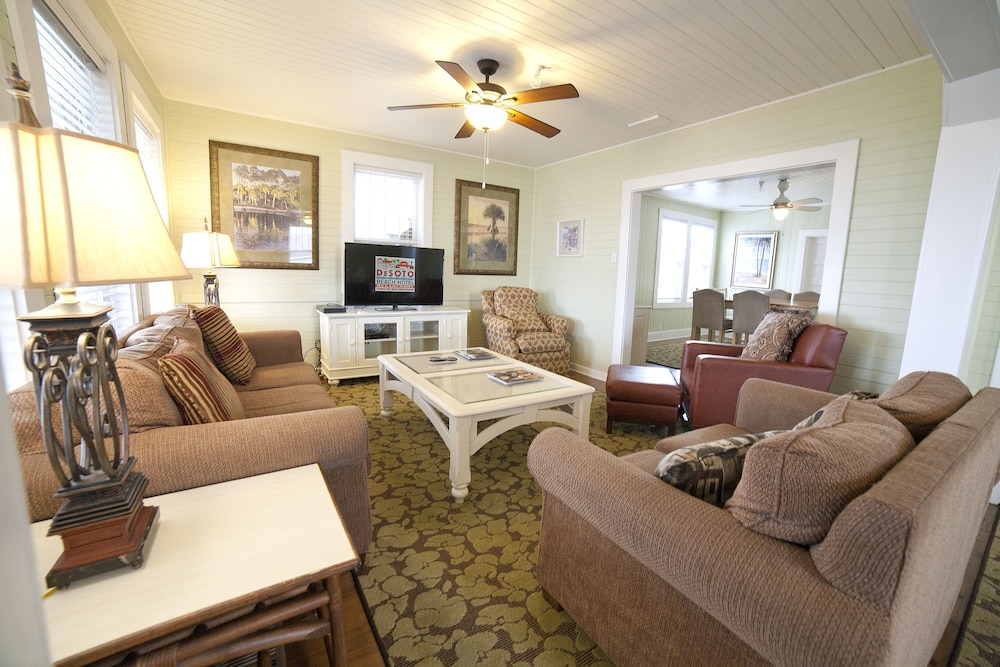 Living Room, Desoto Beach Terraces