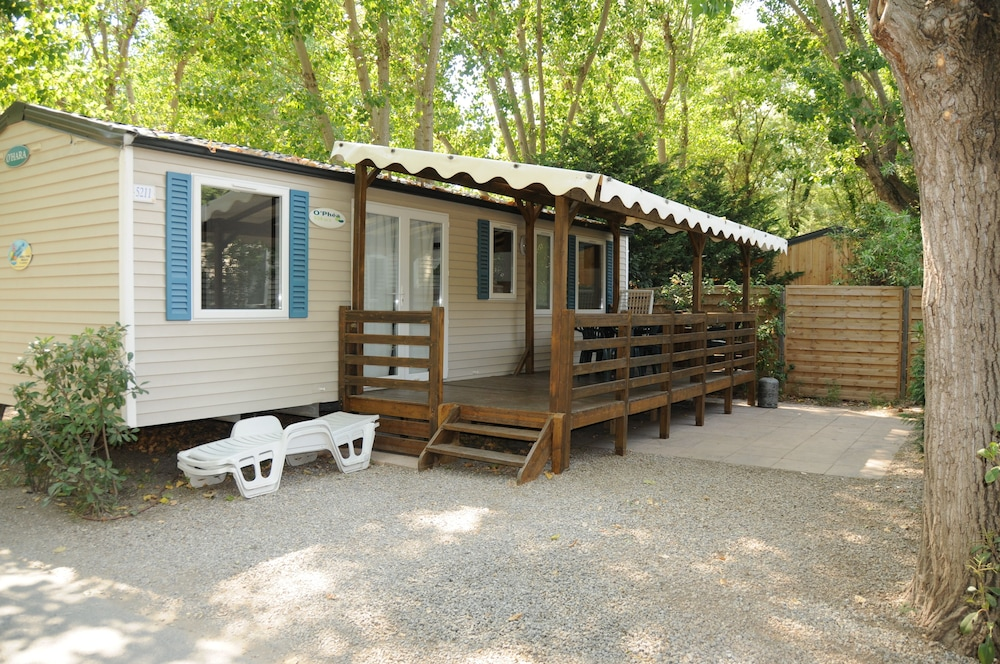 BJ Riviera Holidays - Caravan Park (Sainte-Maxime - Saint-Tropez ...