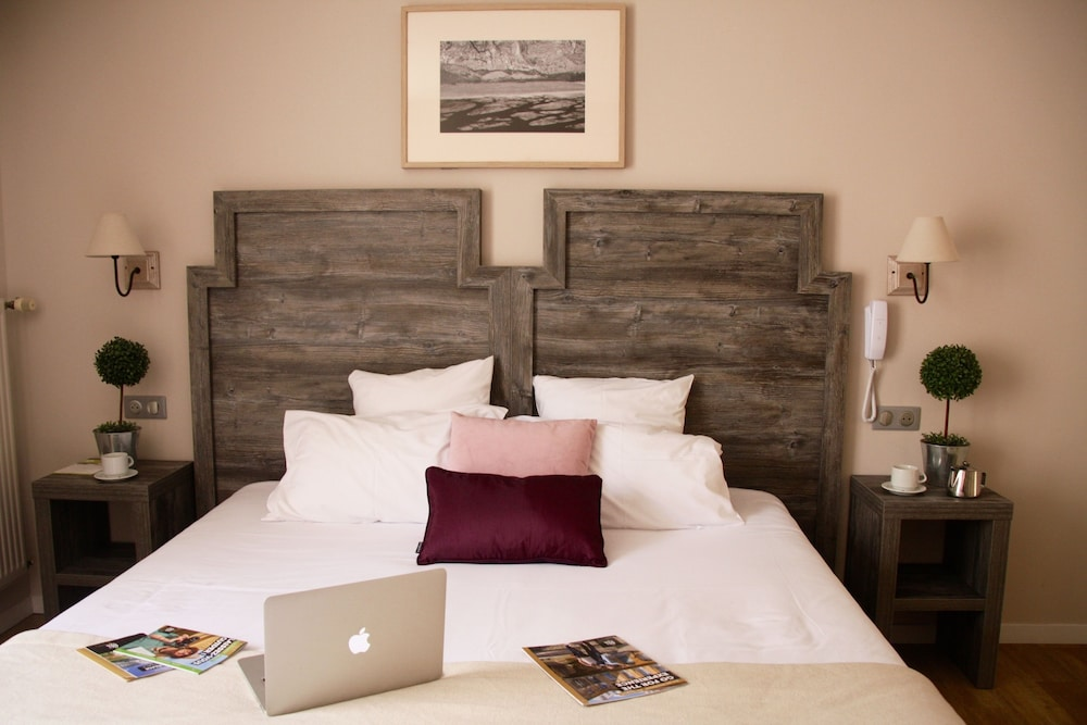 hotel le concorde deals reviews aix en provence fra wotif. Black Bedroom Furniture Sets. Home Design Ideas