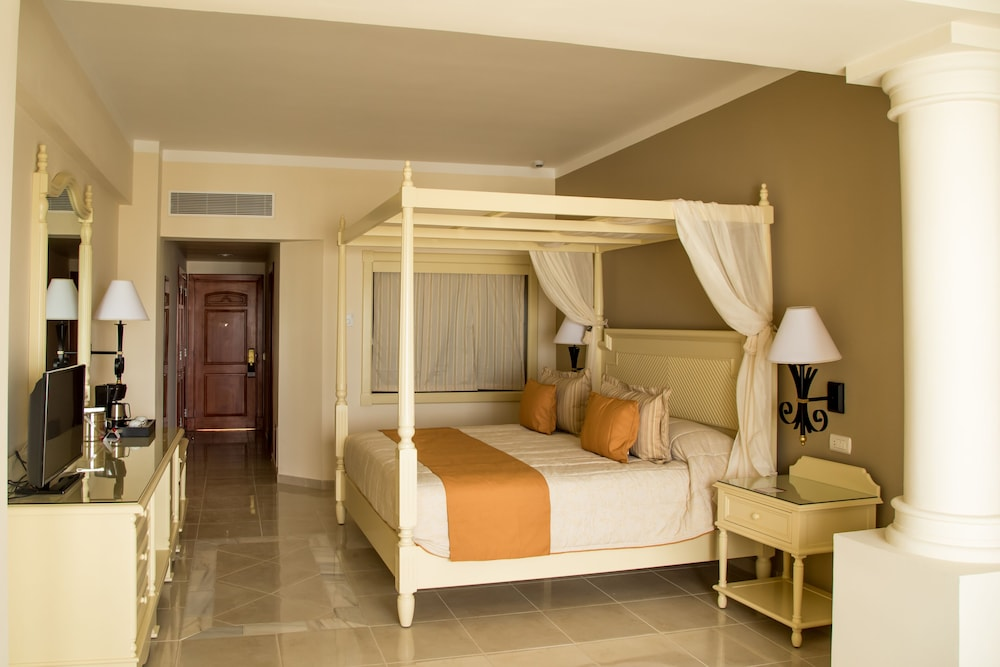 Room, Bahia Principe Luxury Runaway Bay - Adults Only - All Inclusive