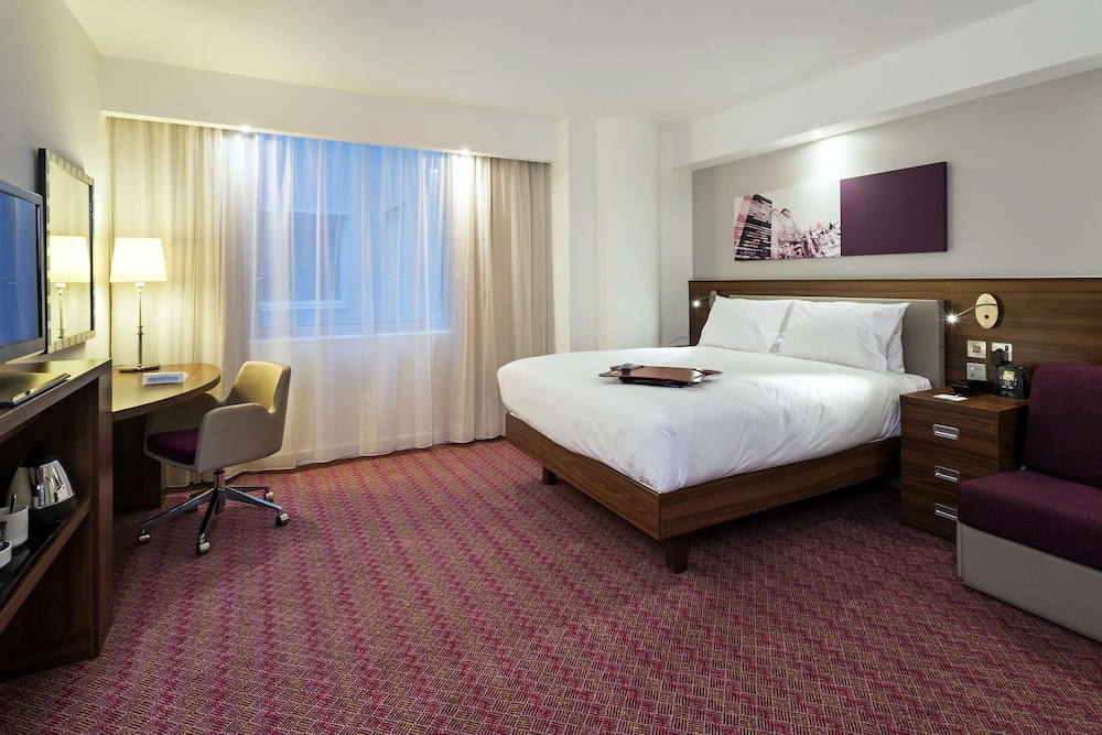 Room, Hampton by Hilton London Gatwick Airport