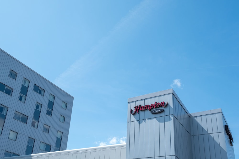 Exterior, Hampton by Hilton London Gatwick Airport