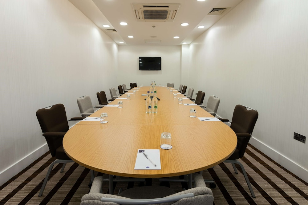 Meeting Facility, Hampton by Hilton London Gatwick Airport