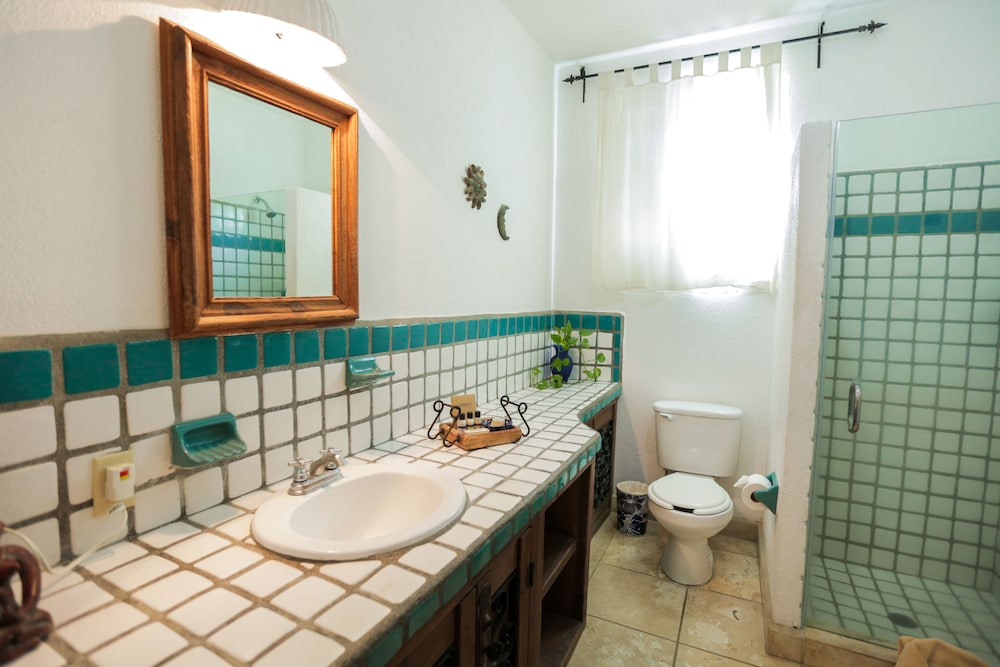 Bathroom, The Bungalows Hotel
