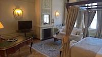 Hotel Le Dixseptième (5 of 72)