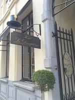 Hotel Le Dixseptième (2 of 72)