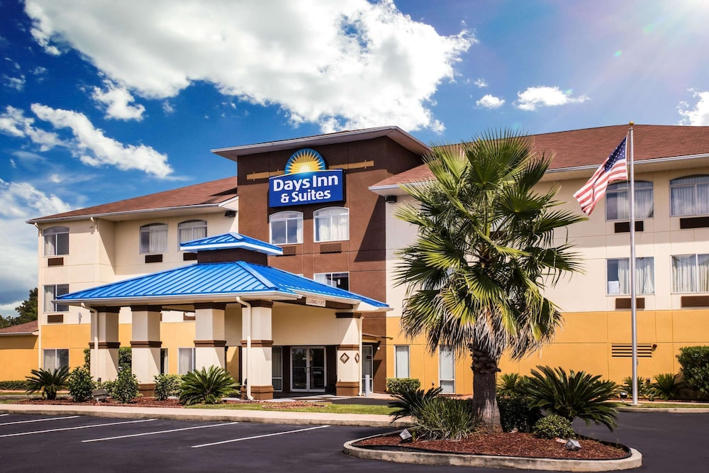 Featured Image, Days Inn & Suites by Wyndham Foley