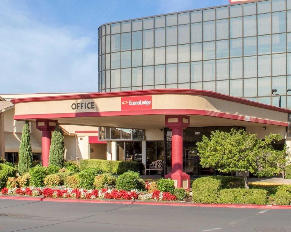 Econo Lodge Broken Arrow In Tulsa Hotel Rates Reviews On Orbitz