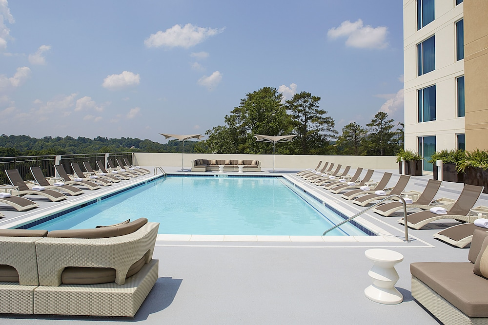 Outdoor Pool, Hyatt Regency Atlanta Perimeter at Villa Christina