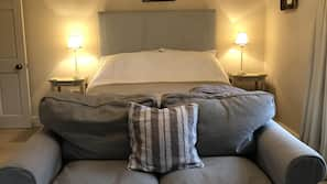 Egyptian cotton sheets, cribs/infant beds, free WiFi