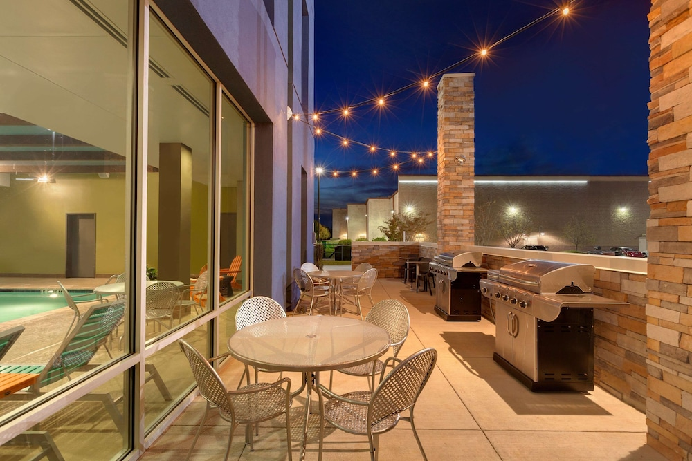 Terrace/Patio, Home2 Suites by Hilton Florence, SC