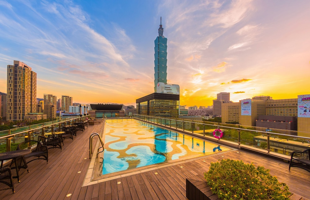 Outdoor Pool, Humble House Taipei
