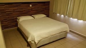 Desk, iron/ironing board, free rollaway beds, free WiFi