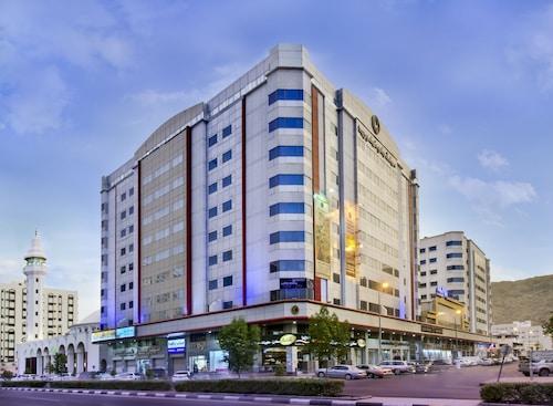 Hotels near Al Jamarat, Mecca: Find Cheap $29 Hotel Deals | Travelocity