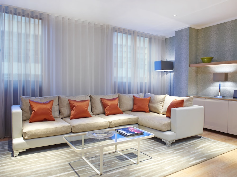 Living Room, Cheval Three Quays