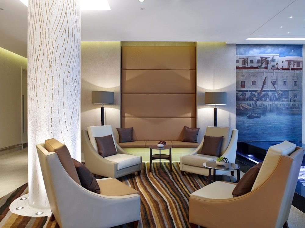 Lobby Lounge, Cheval Three Quays