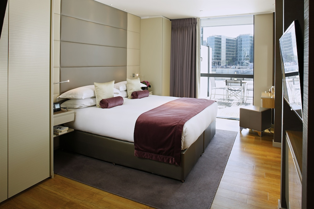 Room, Cheval Three Quays
