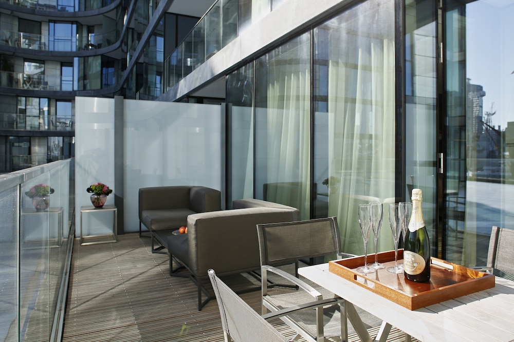 Balcony, Cheval Three Quays