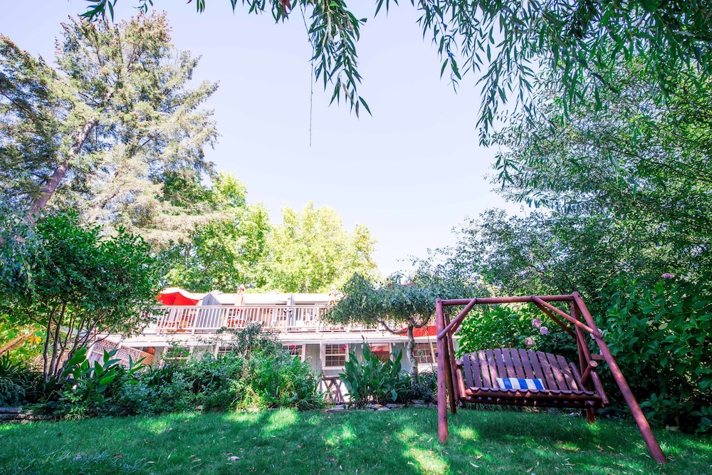 Property Grounds, Inn on the Russian River