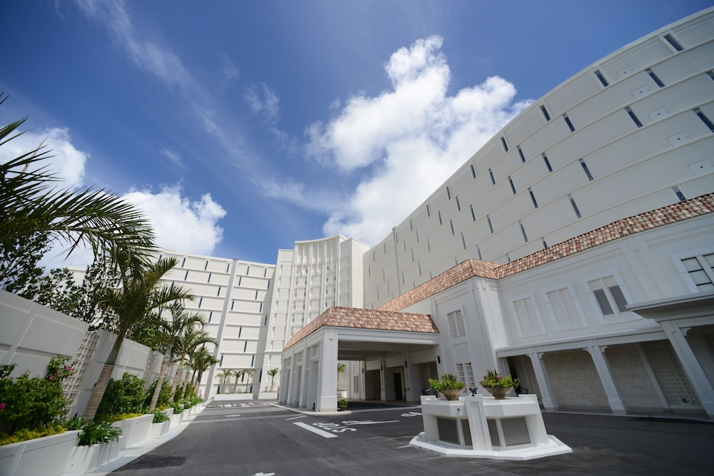 Front of Property, Hotel Monterey Okinawa Spa & Resort
