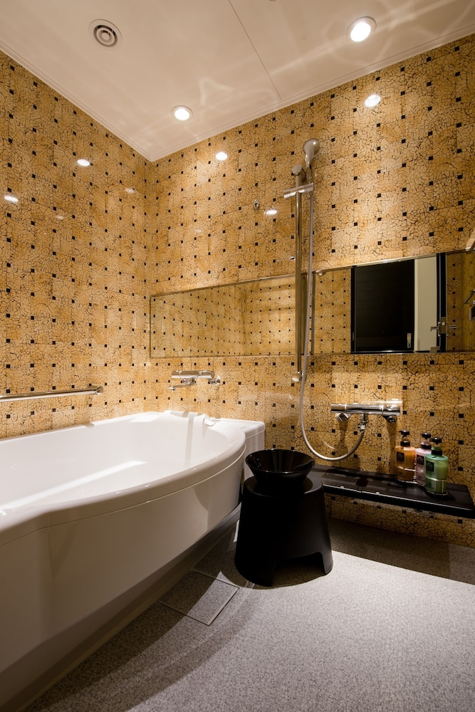 Bathroom, Hotel Monterey Okinawa Spa & Resort