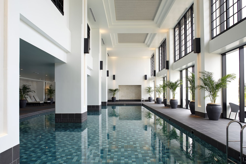 Indoor Pool, Hotel Monterey Okinawa Spa & Resort