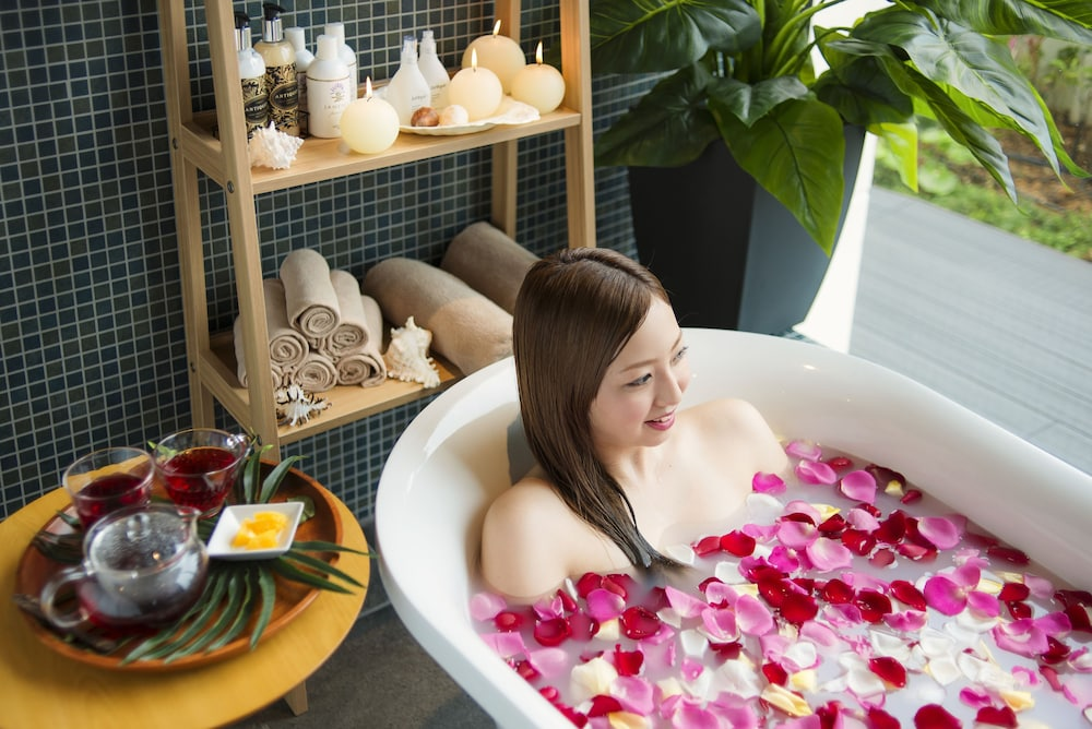 Spa Treatment, Hotel Monterey Okinawa Spa & Resort