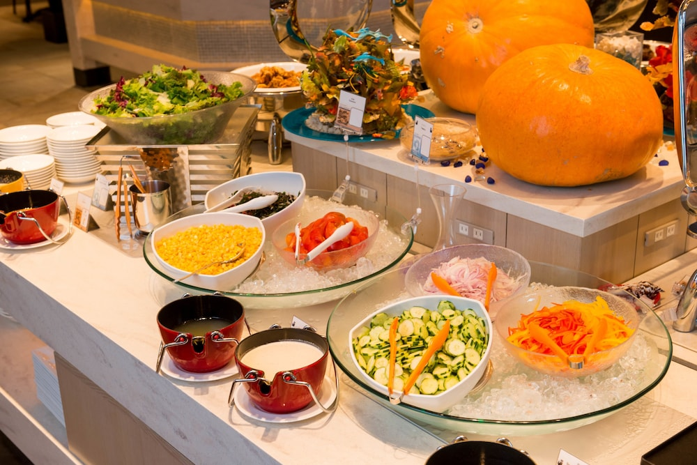 Breakfast buffet, Hotel Monterey Okinawa Spa & Resort