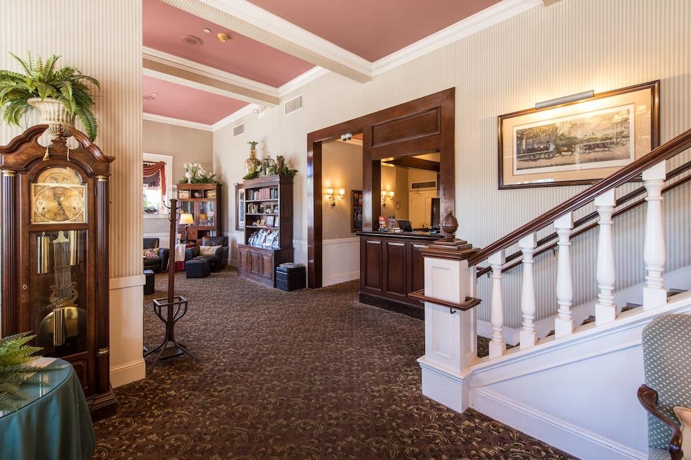 hotel la rose 2019 room prices 149 deals reviews expedia rh expedia com hotel la rose santa rosa california hotel la rose santa rosa california