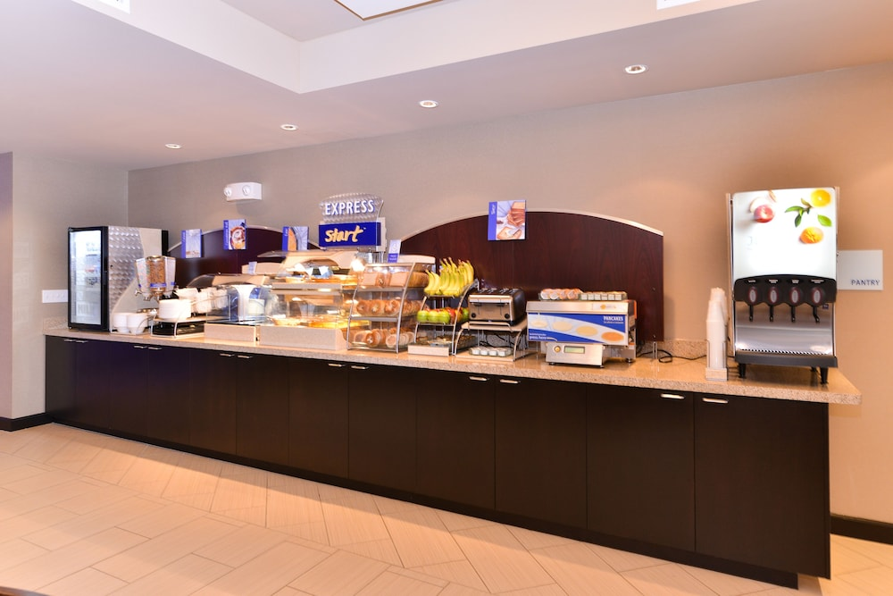 Breakfast Meal, Holiday Inn Express Hotel & Suites Indio