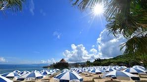 私人海灘、白沙、太陽傘、沙灘巾