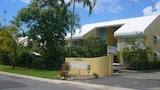 Pacific Sands Holiday Apartments - Holloways Beach Hotels