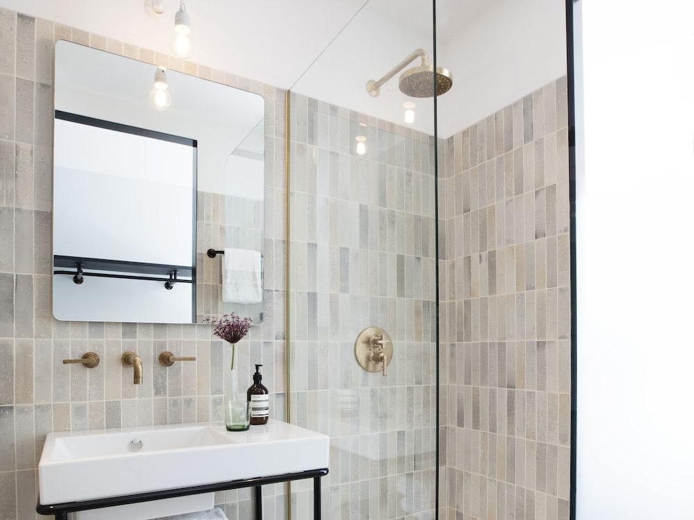Hotel Amsterdam Dusche Im Zimmer : Dusche im Bad
