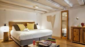Untuvapeitot, tallelokero huoneessa, yksilöllisesti sisustettu