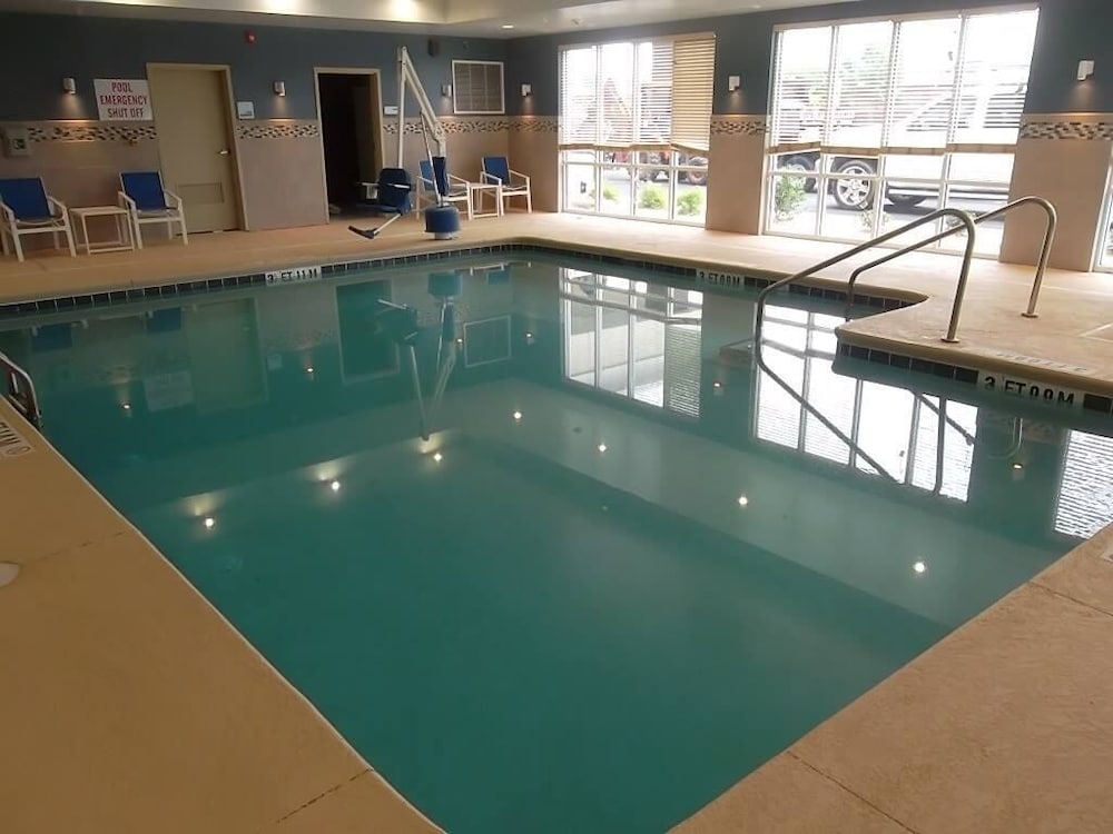 Pool, Holiday Inn Express Hotel & Suites Goldsboro - Base Area