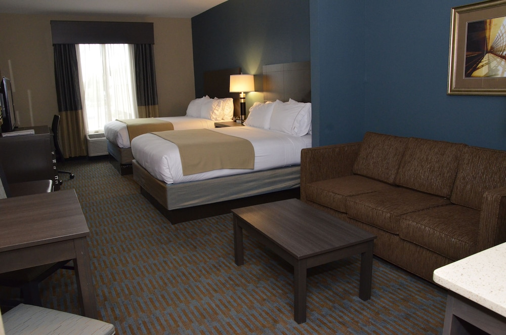 Room, Holiday Inn Express Hotel & Suites Goldsboro - Base Area