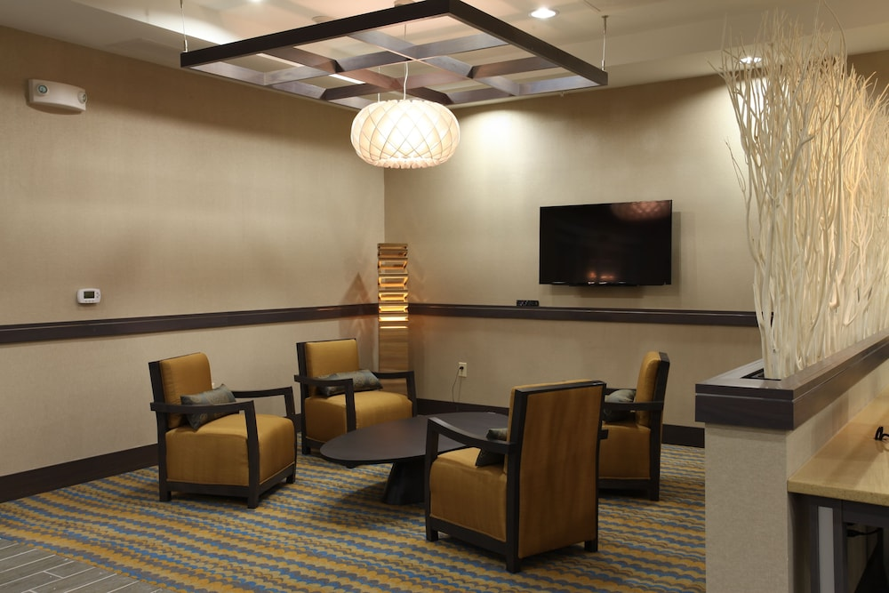 Lobby, Holiday Inn Express Hotel & Suites Goldsboro - Base Area