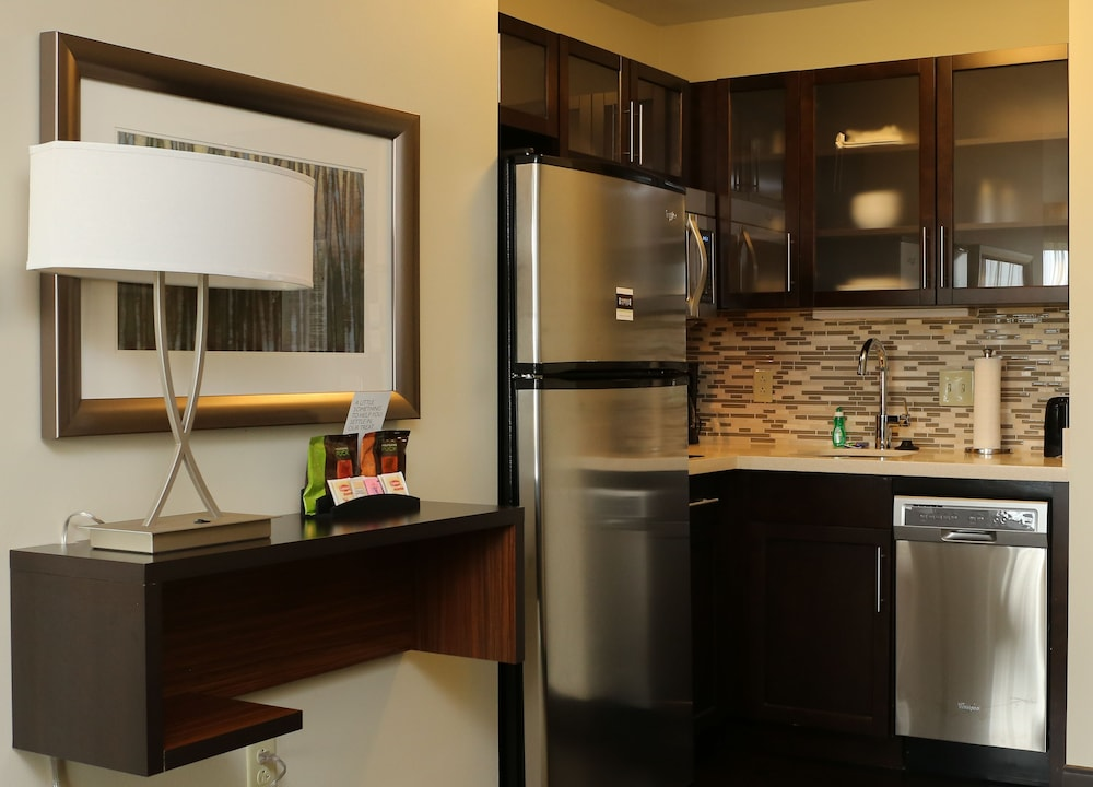 Private Kitchenette, Staybridge Suites Denver-Central Park