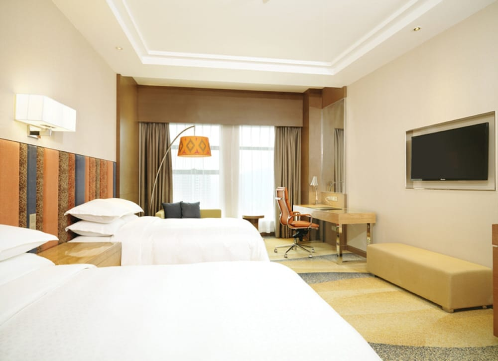 Room, Four Points By Sheraton Bijie