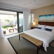 Element Bay II Luxury Beach Apartments by BARNES