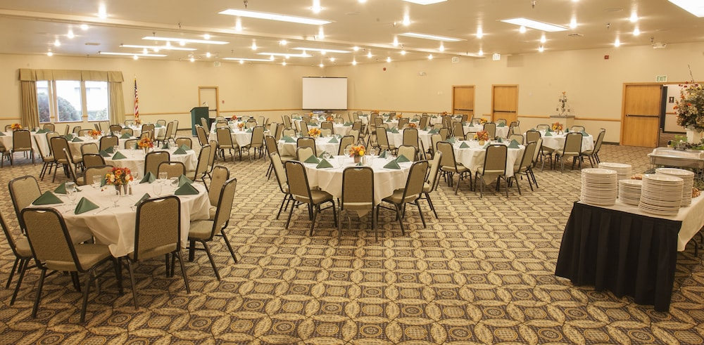 Banquet Hall, Best Western Plus Skagit Valley And Convention Center