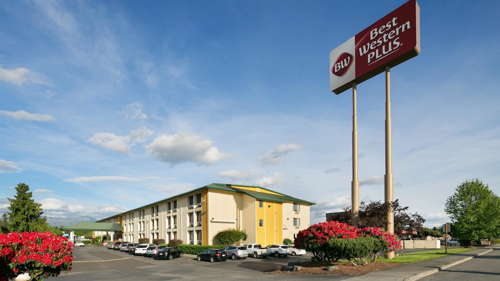 Front of Property, Best Western Plus Skagit Valley And Convention Center