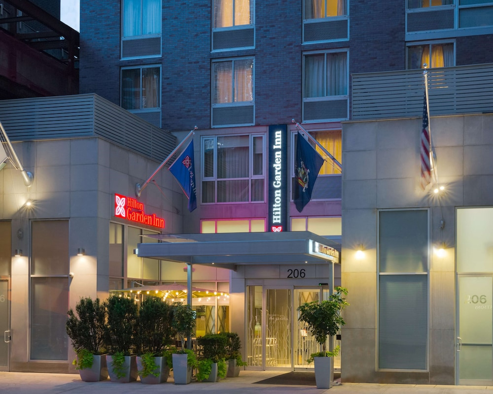 Exterior, Hilton Garden Inn New York/Manhattan-Midtown East