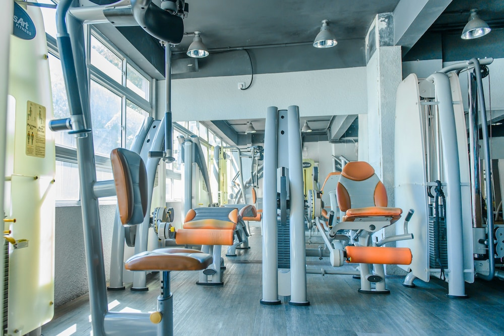 Fitness Facility, The Somerset Hotel