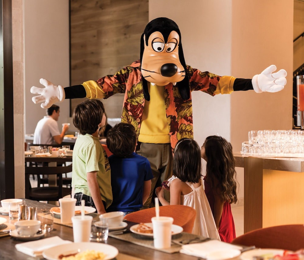 Family Dining, Four Seasons Resort Orlando at WALT DISNEY WORLD® Resort